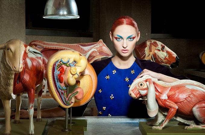 anatomicheskiy_teatr_v_vogue_italia-1